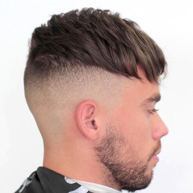 Undercut с коротко стрижеными висками на тонких волосах